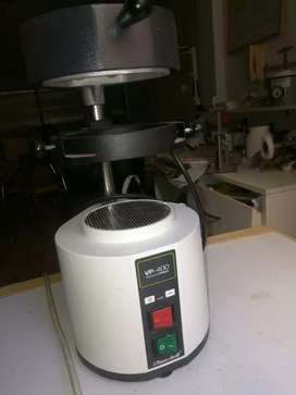 Termoformadora tecnodent. Uso odontologico y técnico.dental
