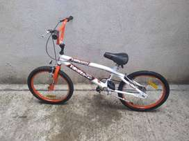 Vendo Bici Tomaselli BMX rodado 20