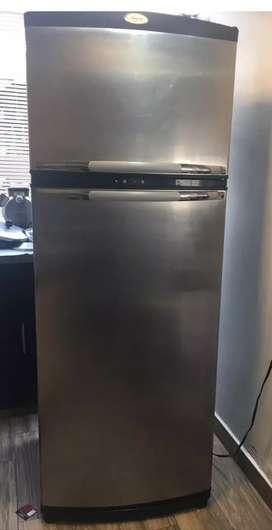 Se vende refrigerador whirpool