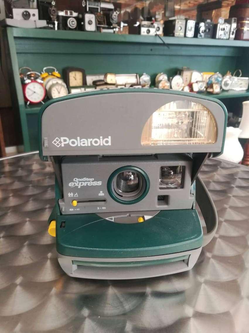 Camara antigua Polaroid 0