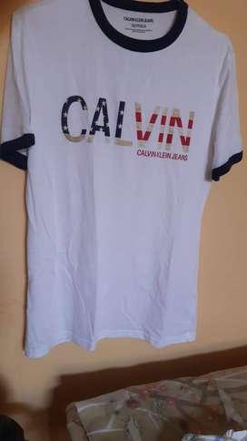 Camiseta Calvin Klein Talla S Nueva
