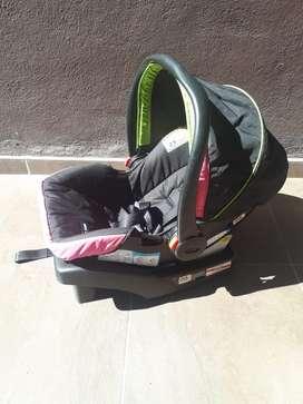 Silla canastilla para bebe americana marca Graco