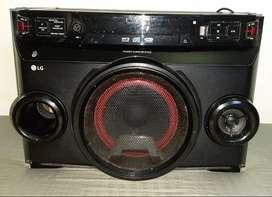 Minicomponente LG  Om4560  220W bluetooh