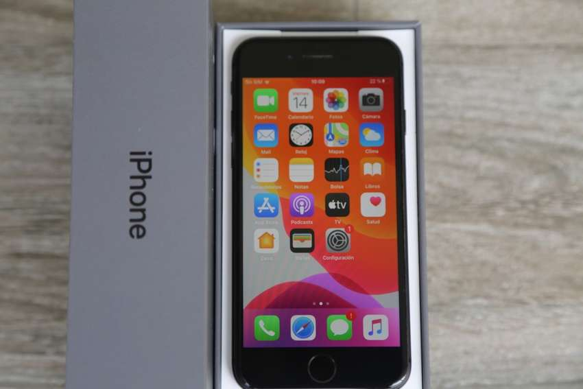 iPhone 8 64GB no 6, 7, 8 plus, X, Xs 0