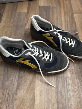 Zapatillas Futsal Como Nuevas