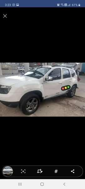 Se vende o se cambia Renault duste 4x4