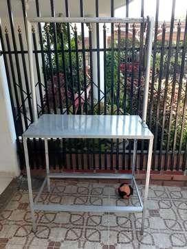 Se vende mesa metalica para carnes