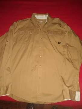 Camisa CAT Clásica para trabajo o vestir