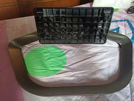 Se vende base para mesa tv LG Smart tv