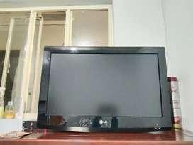 """Televisor MONITOR LCD marca LG 26"""""""