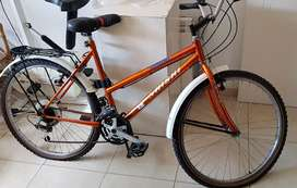 Hermosa bicicleta con cambios Shimano nueva