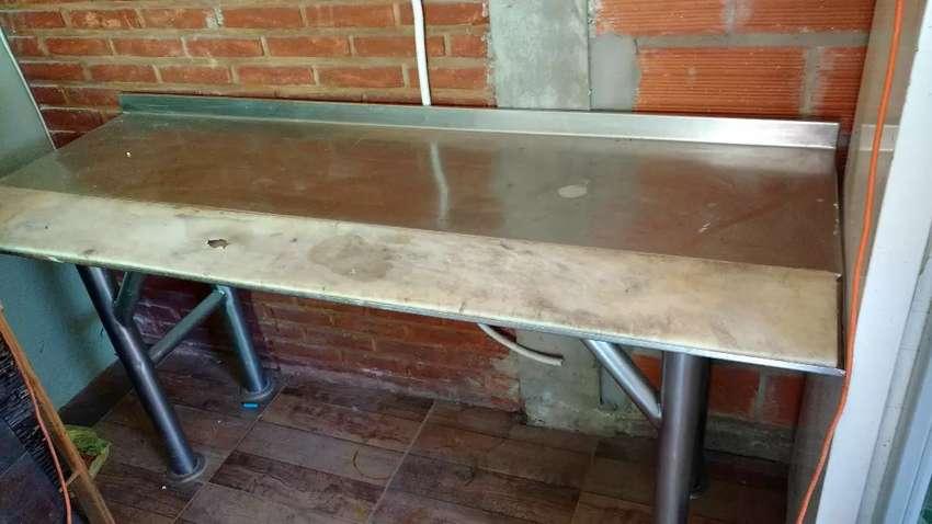 Mesa para cortar carne/pollo 0
