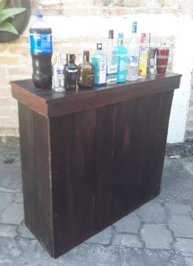 Antique bar counter alquiler