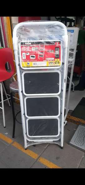 Escaleras tubulares plegables con escalon antideslizante
