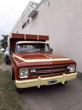 Se vende camioneta precio negociable