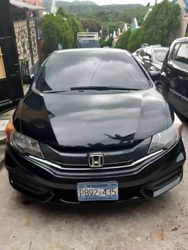 Vendo honda civic 2015 en 7,600 negociable se recive carro a cuenta
