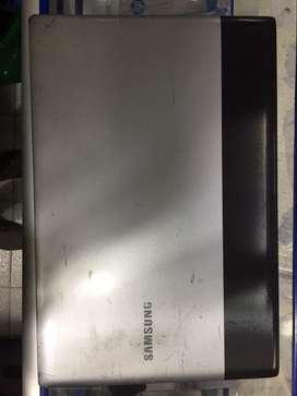 Vendo portatil Samsung con detalles