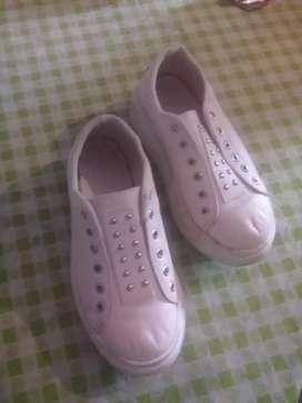 Vendo calzado de mujer número 38
