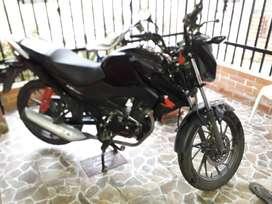 Vendo moto CB125F negra en perfecto estadoperfecto