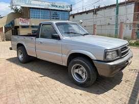 Se Vende Mazda cabina sencilla año 1998 a gasolina