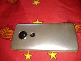 Vendo Motorola E 5 solo con wifi lo uso xq ay que reparar dónde a el chip