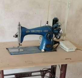 Venta de maquina para coser en buen estado