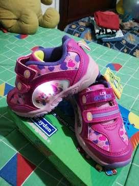 Exelente calzado para niña