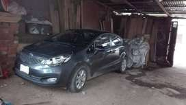 Vendo Kia Rio Sedan Gris Metalico