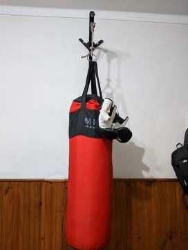 Bolsa de Boxeo + Guantes + Soporte