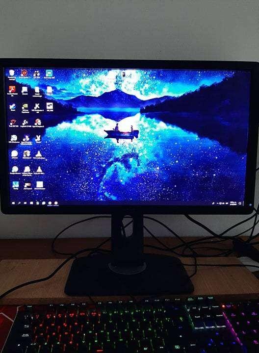 Monitor Dell FULL HD de 22 pulgadas. 0