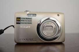Cámara digital Nikon Coolpix S2600