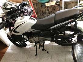 Se vende moto, papeles hasta el otro año, como nueva
