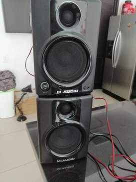 Monitores M-Audio Av 40