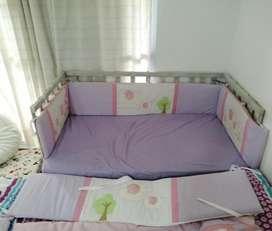 Acolchado, y ajuar completo cuna bebe habitacion niña