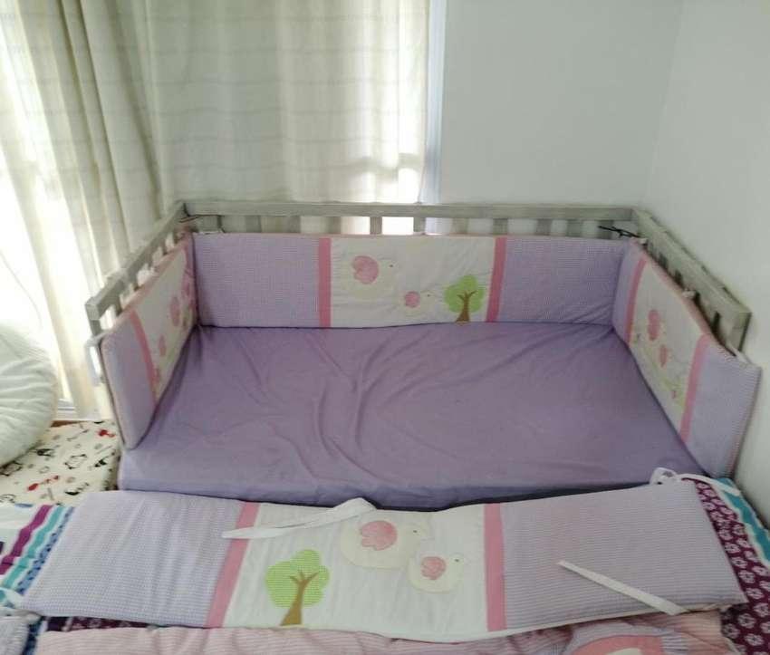 Acolchado, y ajuar completo cuna bebe habitacion niña 0
