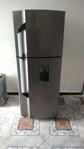Endo hermosa nevera nofros con dispensador de agua como nueva funciona perfecto
