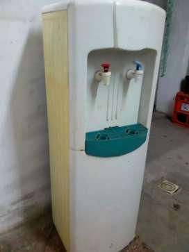 Dispenser frío calor de agua de red sin bidon