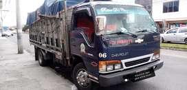Chevrolet npr 2002