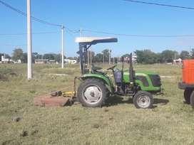 Corte de pasto y desmalezados con tractor