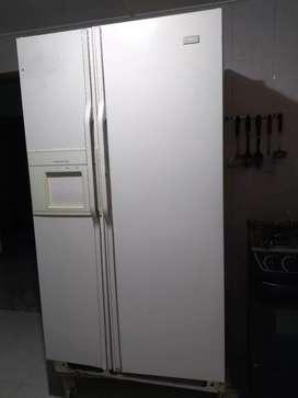 Vendo nevecon dos puertas perfecto estado