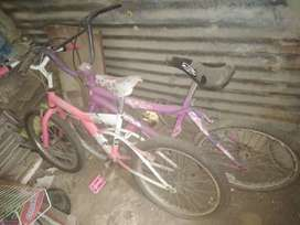 Se vende 2 ciclas para niñas