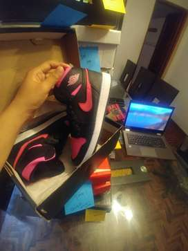 Zapatillas Nike Air Jordan 1 OG GS Black- Pink (Oferta Irrepetible)