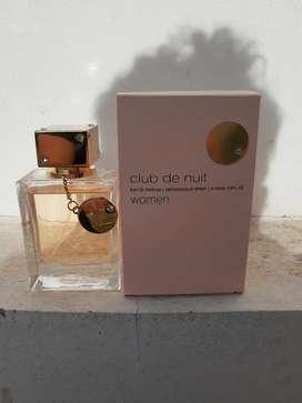 Perfume Armaf Club de Nuit Women 105 ml usado.