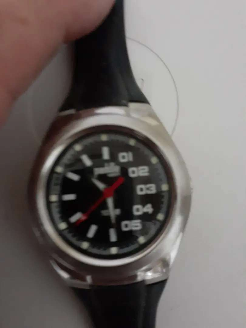 Reloj de excelente marca 0
