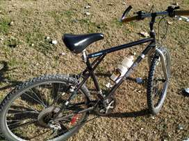 BICICLETA MOUNTAIN BIKE rod 26 ,de 18 cambios