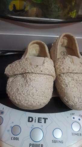Zapatos de bebe talla 2 usados