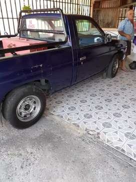 Vendo picupt D 21 manual  1991 buen esTado