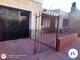 Vendo casa a refaccionar con 3 departamentos anexados detras de la UNSL