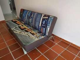 Sofá cama en perfecto estado poco uso.