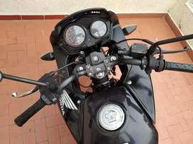 Vendo moto CBF 125 honda papeles al día